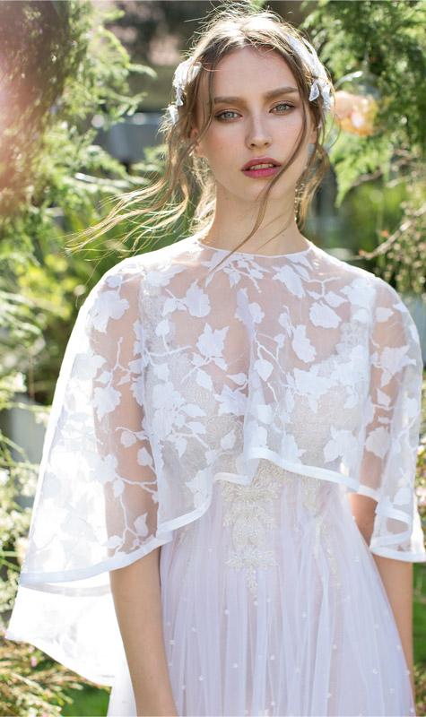 שמלת כלה עם חלק עליון שקוף לחופה