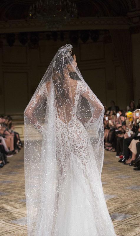 לשמלות של 2016 הינומות ארוכות ושקופות