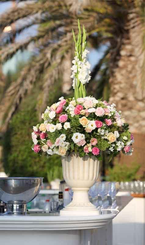 צבעי הפרחים משפיעים על העיצוב הכולל