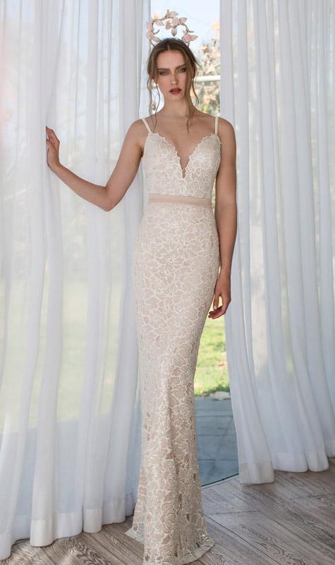 שמלת כלה בצבע ניוד-אפרסק