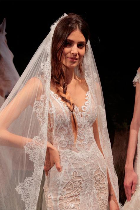 שמלת כלה עם הינומה תואמת