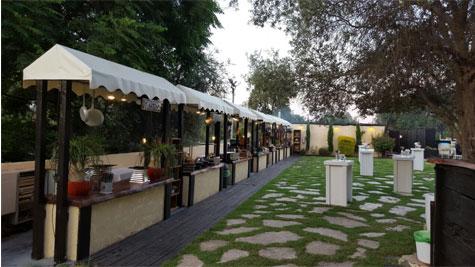 תחנות אוכל בגן האירועים