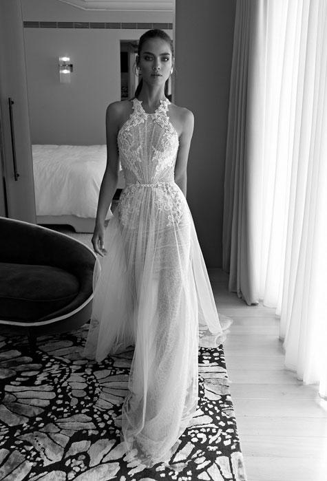 שמלת כלה בעלת שכבות בד שקוף