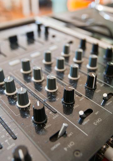 פלורליזם מוסיקלי: התאמת מוסיקה לקהל מעורב