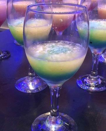 משקאות אלכוהוליים, בר פירות...