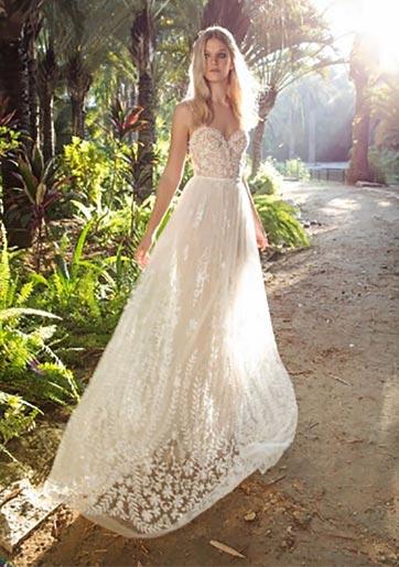 שמלות כלה: על בוהו-גלאם וחצאית עם שסע