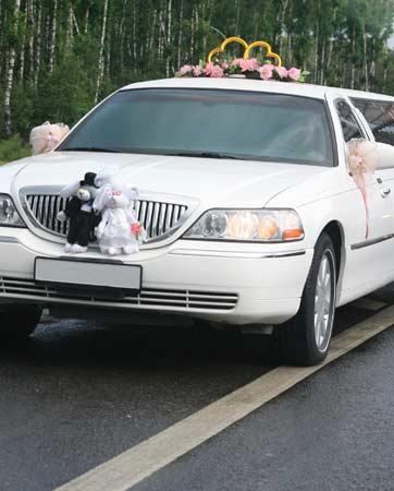 לימוזינה לחתונה: הכרכרה שלכם לערב מהאגדות